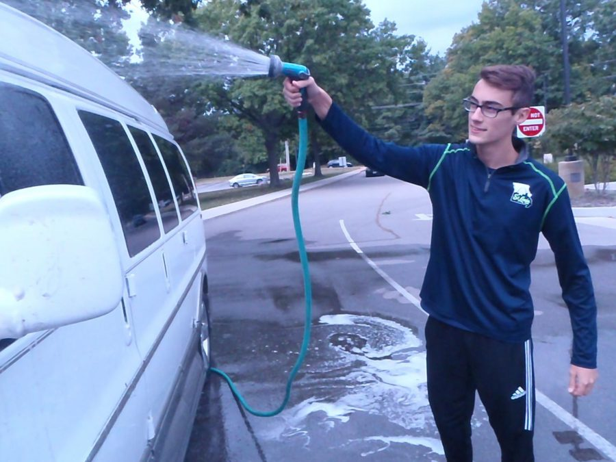 Members of National Honors Society Participate In Car Wash, Raise Money for Northern Lights [Photo Essay]